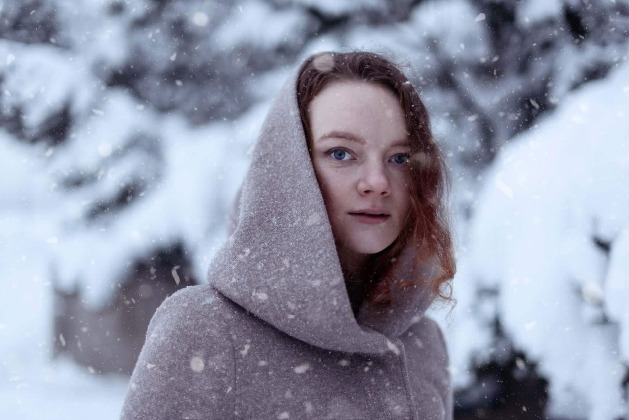 laura talvella jyväskylän satamassa lumisateessa