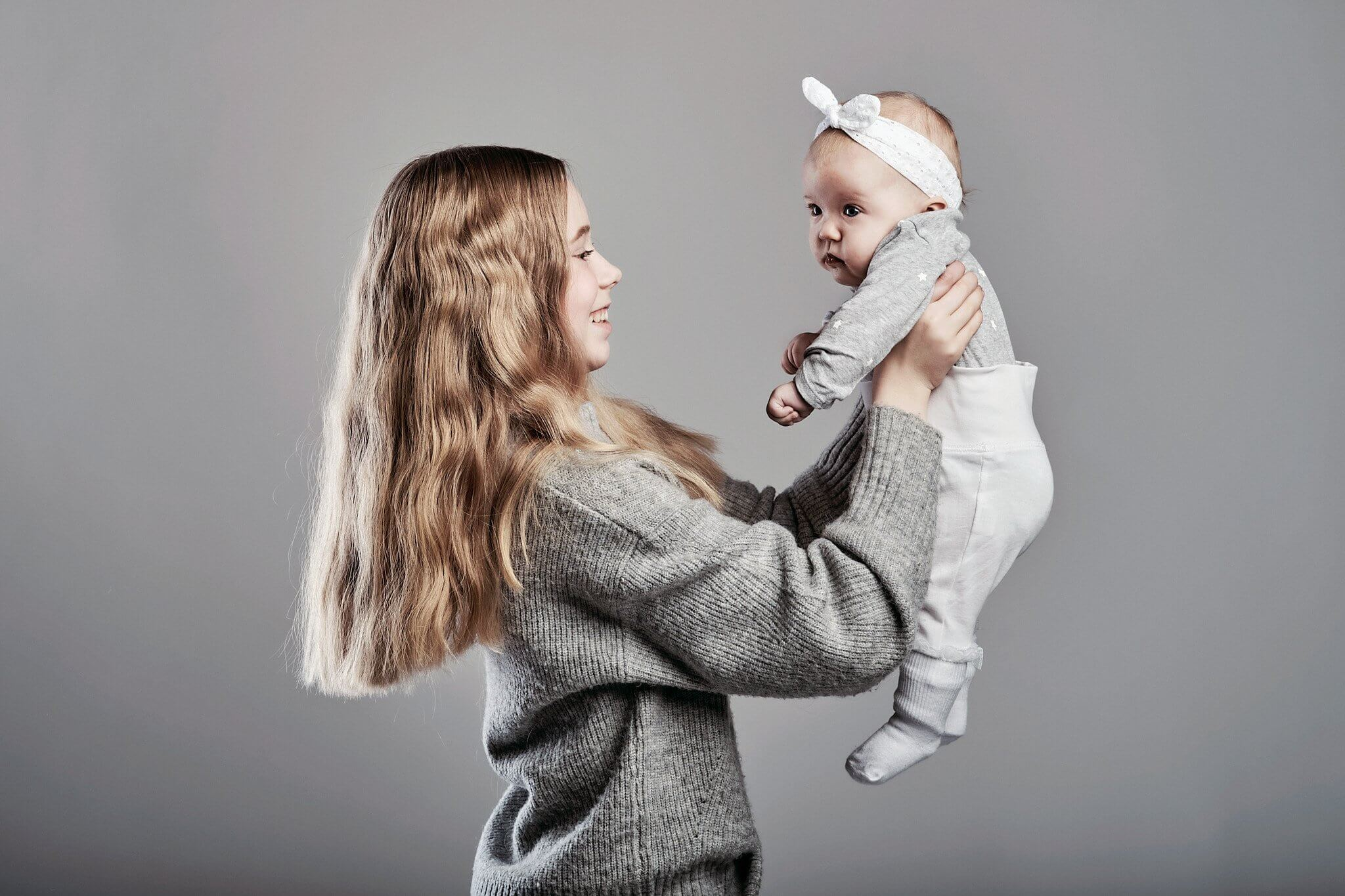 Lapsikuvaus Jyväskylä Martta ja Hilma sisarukset